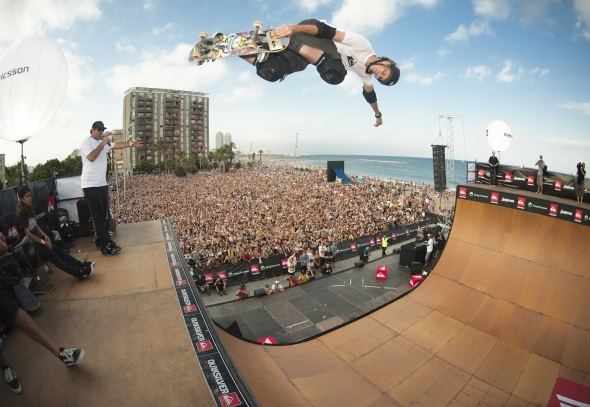 Tony-Hawk-Soaring-High-HD-Wallpaper